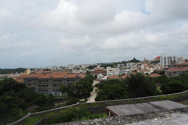 上から那覇市内が見渡せます