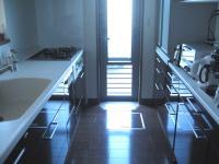 キッチン入り口から撮影
