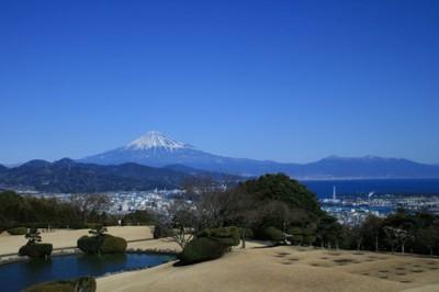 富士山と華麗なる時代で使われた鯉の出る池