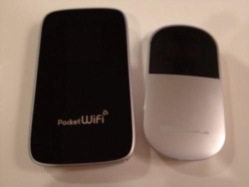 大きさ比較。iphoneよりはちょっと小さく少し厚いという感じ