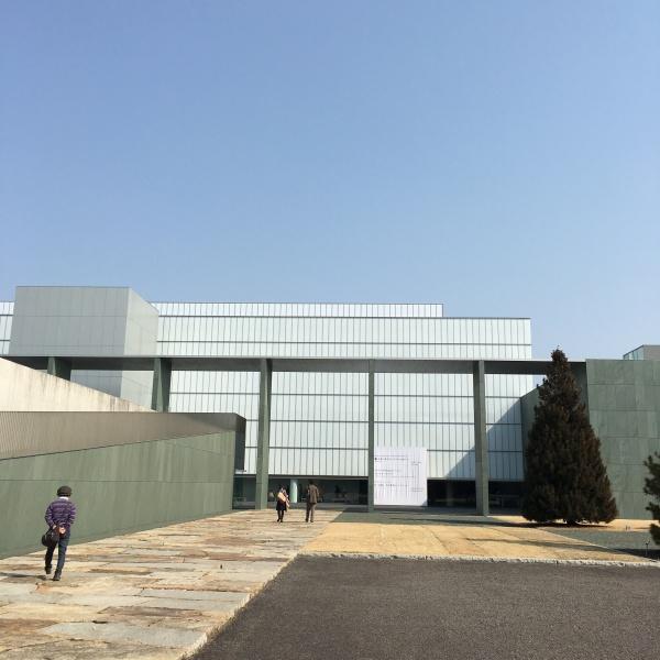 豊田市美術館外観
