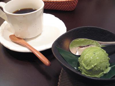 本山茶アイスとコーヒー