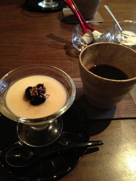 そばのブラマンジェとコーヒー