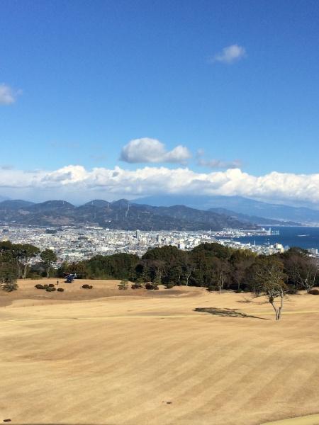 今年は富士山が雲に隠れていて残念