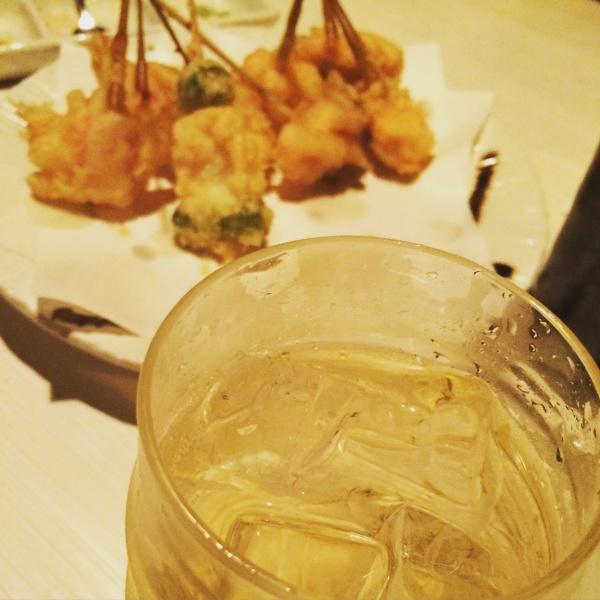 梅酒ソーダ割りと天ぷら