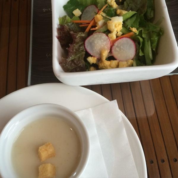 サラダとかぶとじゃがいものスープ