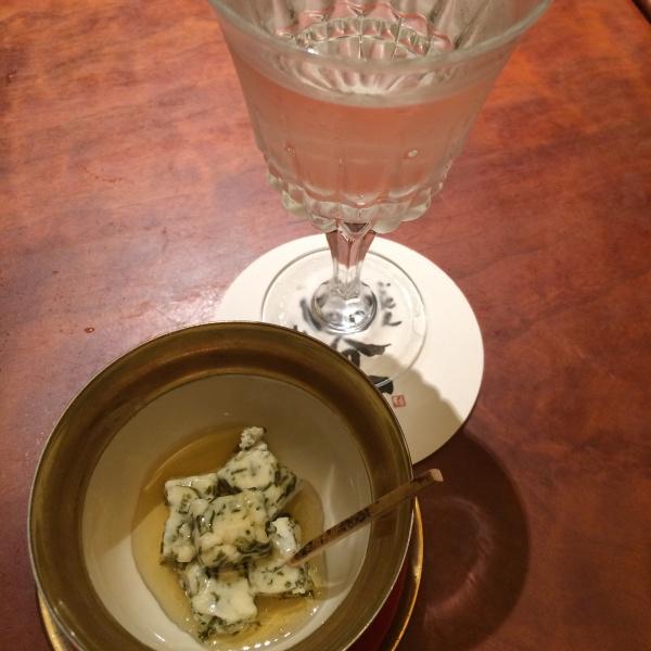 吟醸ひやおろし 黒龍と 自家製能登の海藻チーズと白山のはちみつ
