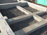コンクリートを打つところには砂利