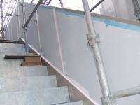 シーリング材充填が終わった外階段