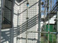交換した外壁へーベル版にすぐシーリング