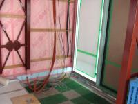 電源と情報関連のケーブルは玄関口に