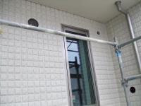 換気扇の外壁カバーを付ける前の穴