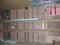 1Fパソコン室上に2段の棚
