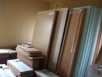 床の仕上げ材が搬入2