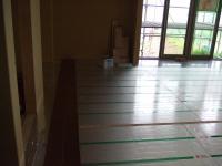 左側寄木合板が貼られました