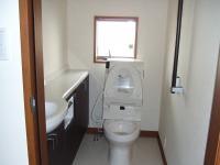 1Fのトイレも養生が取れました。