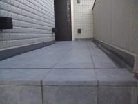 2F玄関へのアプローチ