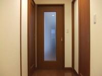 LDと廊下の間の片引戸